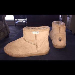 Cozy Women's Bearpaw Winter Boots